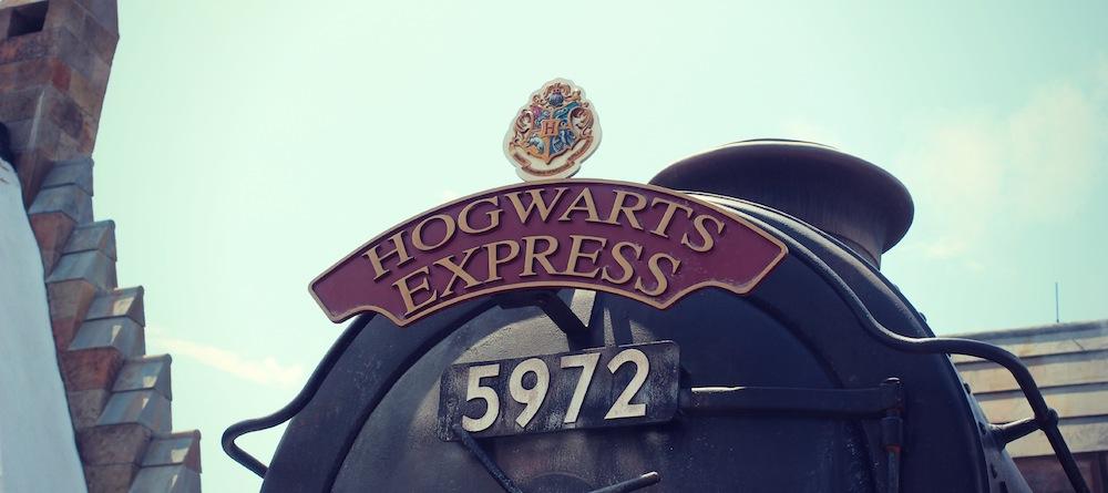 hogwartsuniversalharrypotterhogsme.jpg