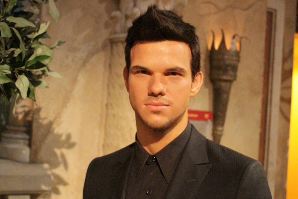 taylor lautner madame tussauds NY
