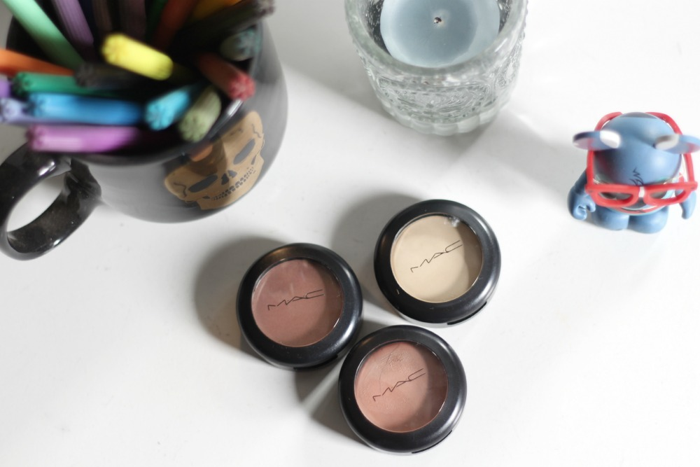 resenha cream colour base mac