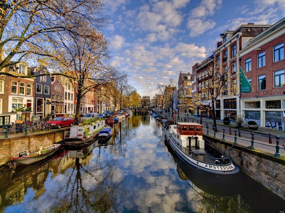 Alugar uma bike e rododar por Amsterdam, quem topa?
