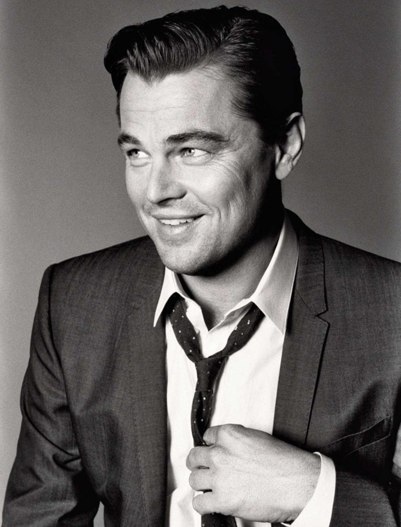 leo-black-white-photography-dicaprio-suit-dotted-tie