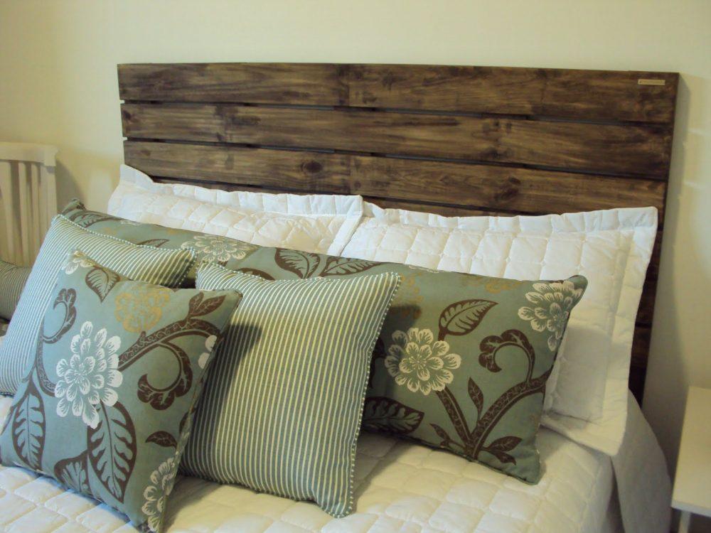 cabeceira cama box usando madeira de demolição