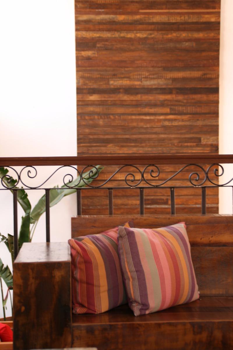 cabeceira-para-cama-em-madeira-de-demolico-rustica-883111-MLB20493921384_112015-F