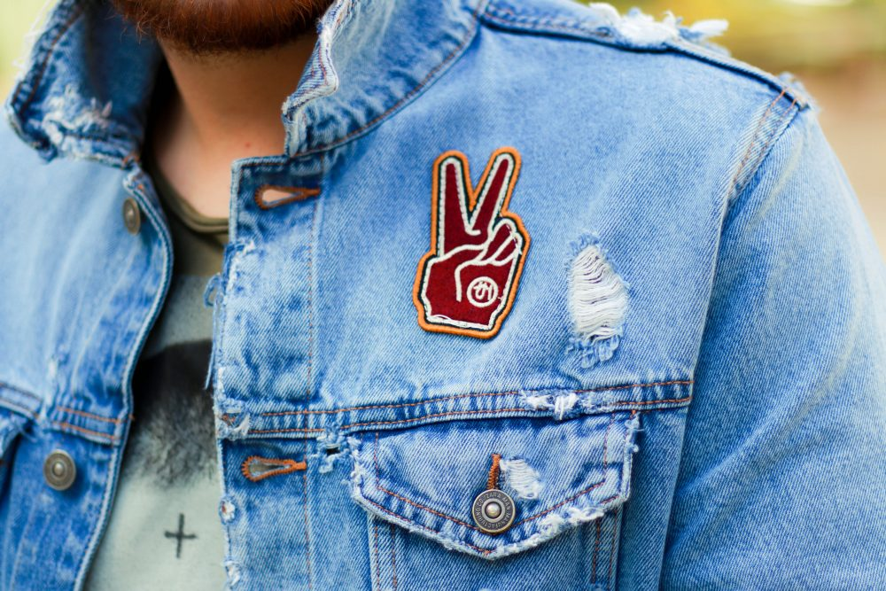 look-do-dia-masculino-moda-homens-jaqueta-jeans-patches-dotanada-luh-sicchierolli_-15