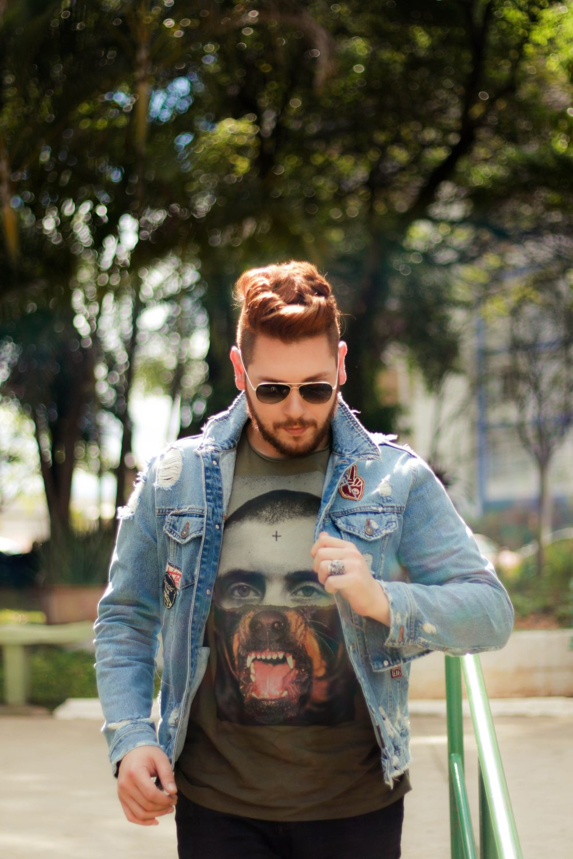 look-do-dia-masculino-moda-homens-jaqueta-jeans-patches-dotanada-luh-sicchierolli_-26