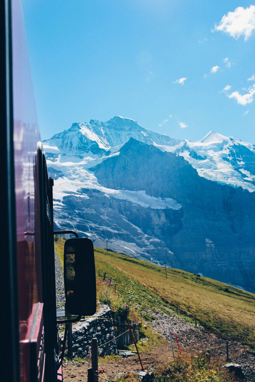 melhor-montanha-para-se-visitar-na-suic%cc%a7a-como-chegar-guia-valores-topo-do-mundo-luh-estilo-bifasico-15