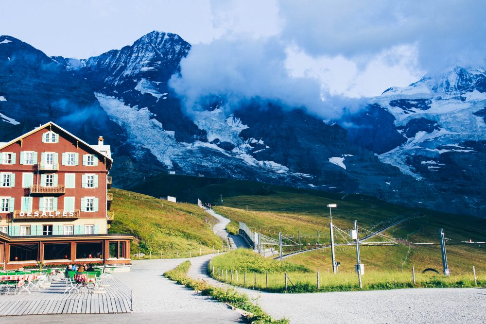 melhor-montanha-para-se-visitar-na-suic%cc%a7a-como-chegar-guia-valores-topo-do-mundo-luh-estilo-bifasico-34