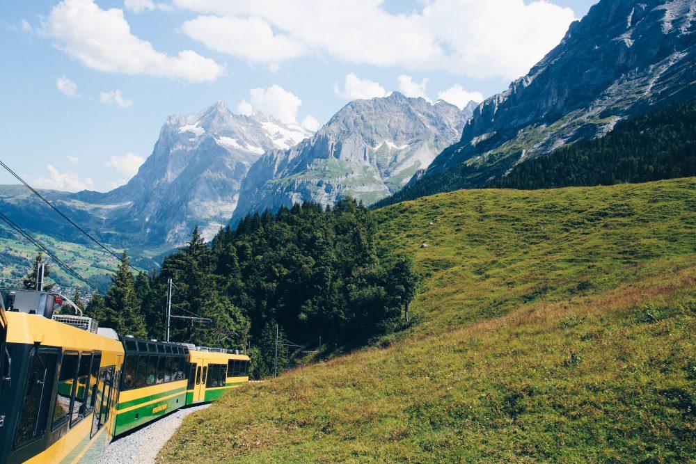 melhor-montanha-para-se-visitar-na-suic%cc%a7a-como-chegar-guia-valores-topo-do-mundo-luh-estilo-bifasico-4