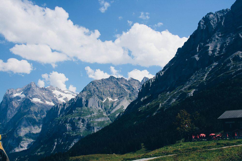 melhor-montanha-para-se-visitar-na-suic%cc%a7a-como-chegar-guia-valores-topo-do-mundo-luh-estilo-bifasico-6