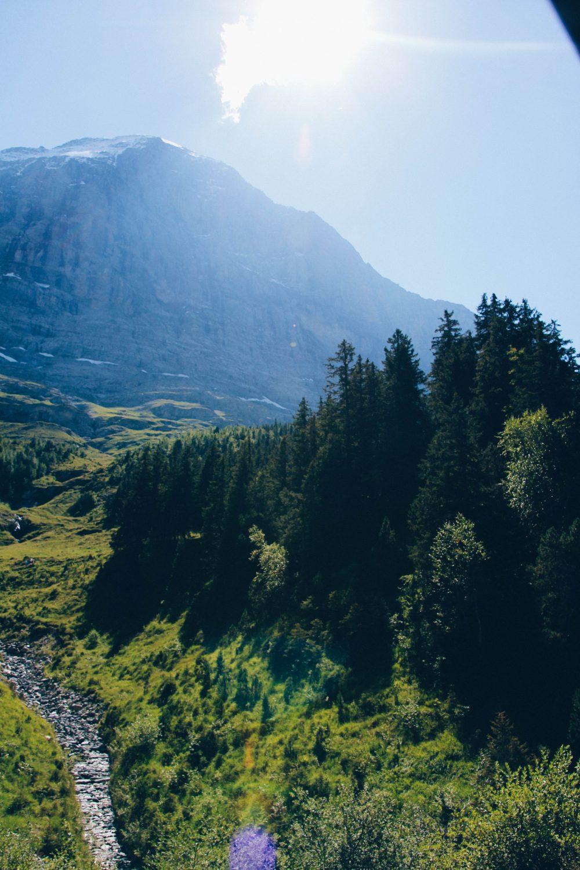 melhor-montanha-para-se-visitar-na-suic%cc%a7a-como-chegar-guia-valores-topo-do-mundo-luh-estilo-bifasico-9